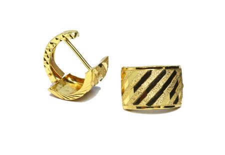 18k gold diagonal diamond cut earrings