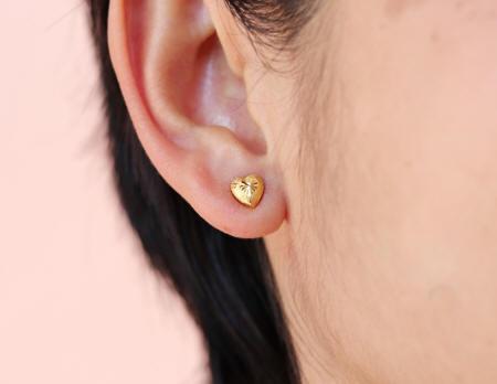 earrings 18k gold heart studs