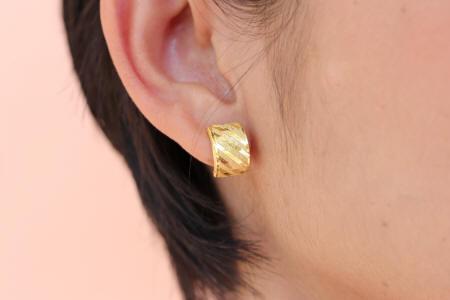 18k gold Lever-back earrings